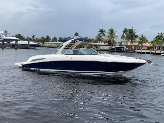 Sea Ray 300 SLX - main image