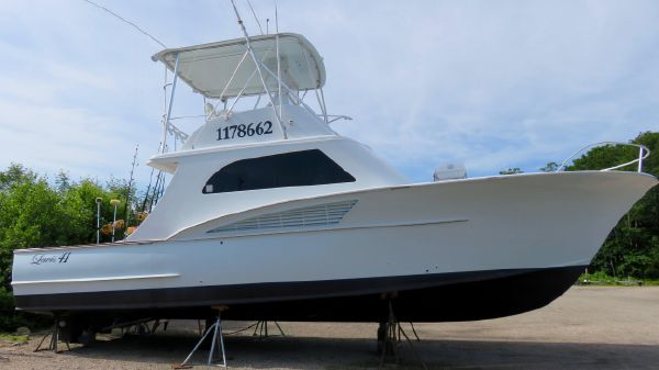 Custom Carolina Lewis Brothers 41 Flybridge Sportfish