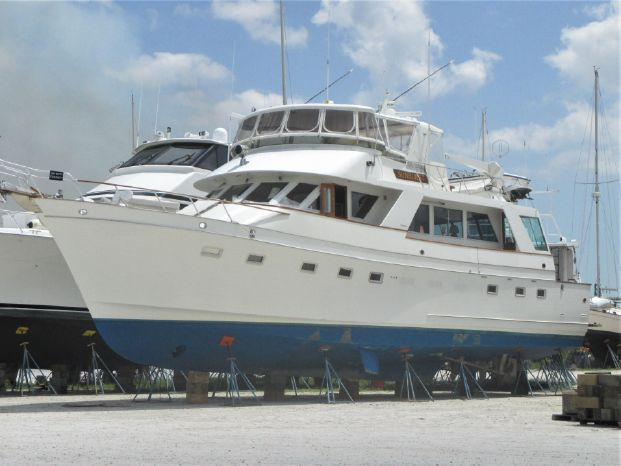 1983 Ocean Alexander Cockpit Motor Yacht