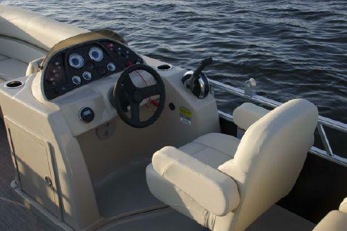 SunChaser Geneva Cruise 24 LR image