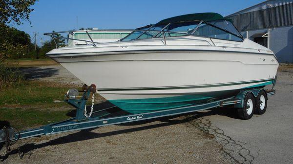 Sea Ray 220 CC