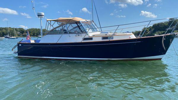 Legacy Yachts 34 Express