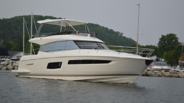Prestige 550 Flybridge 2015 Prestige 550 Fly Bridge With Hard Top