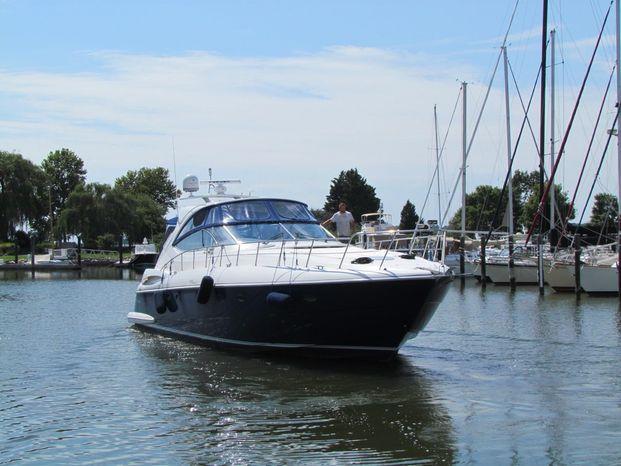 2006 Cruisers Yachts Brokerage Brokerage