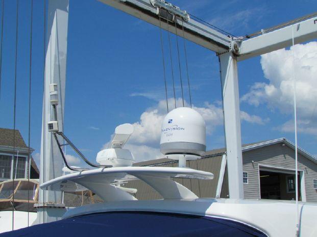 2006 Cruisers Yachts BoatsalesListing Maine
