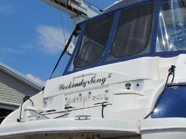 2006 Cruisers Yachts Buy Rhode Island