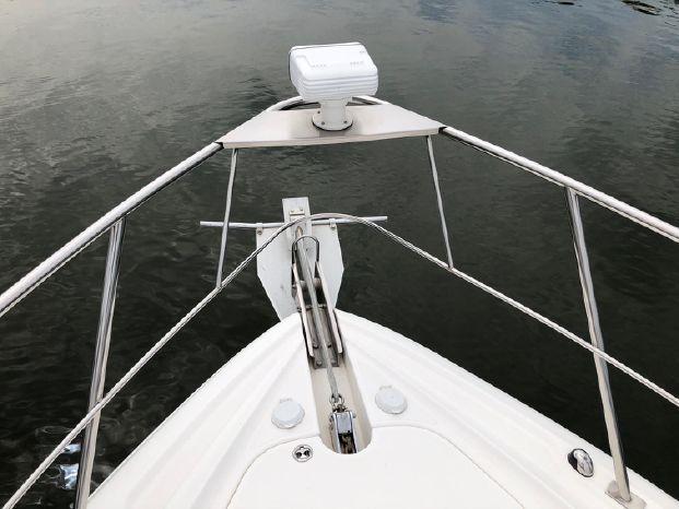 2006 Cruisers Yachts Purchase Brokerage