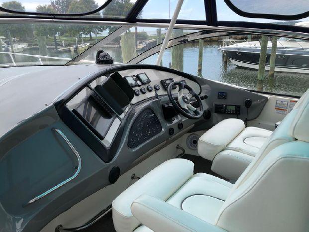 2006 Cruisers Yachts Brokerage Sell