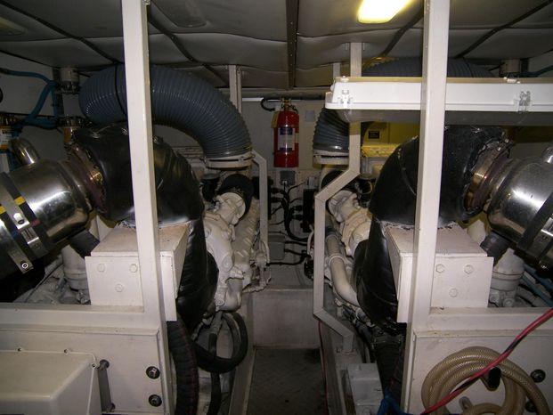 2001 Viking Sport Cruisers Sell Brokerage