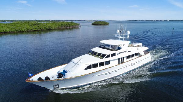Burger 106 Raised Pilothouse