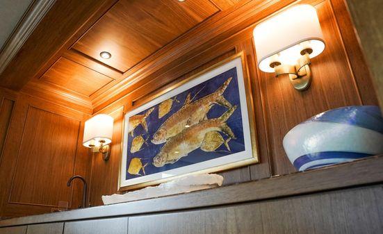 Burger 106 Raised Pilothouse image