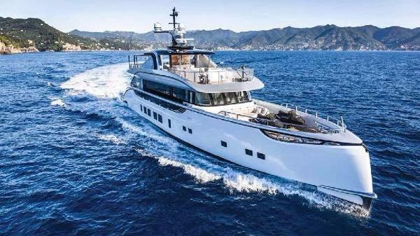 Dynamiq Yacht 39 M