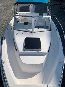 Wellcraft 220 Coastal Walkaround image