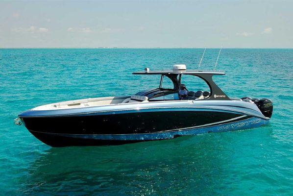 Mystic Powerboats M4200 - main image
