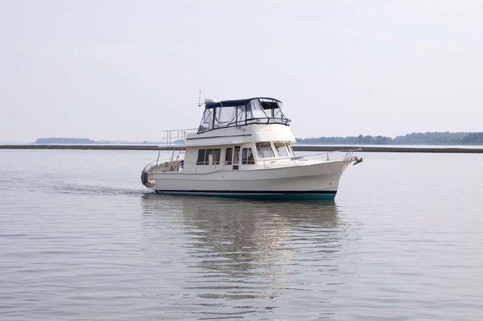 2008 Mainship 40 Trawler