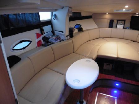 Bayliner 325SB image