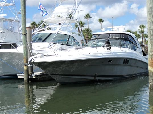 Sea Ray 44 Sundancer - main image