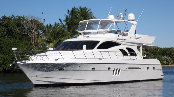Grand Harbour 66 Motoryacht Profile