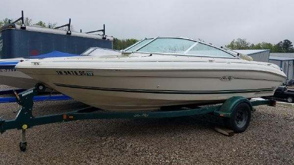 Sea Ray 185 Bow Rider