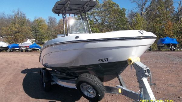 Yamaha Sport Boat 210 fish
