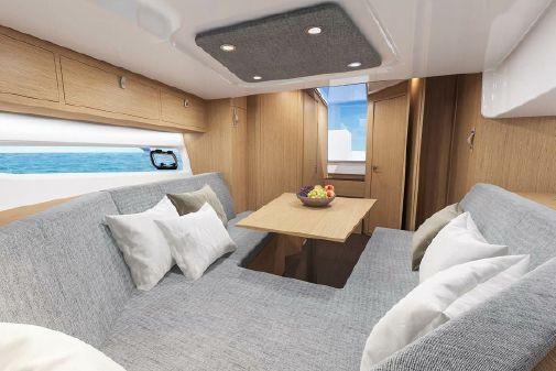 Beneteau America Flyer 10 image
