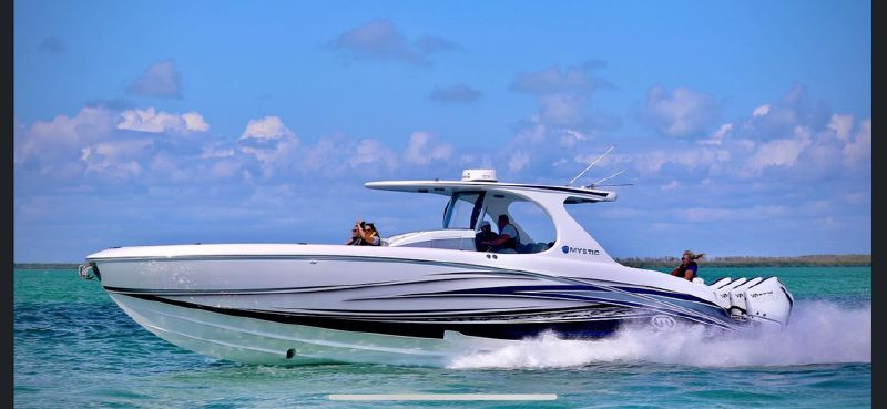 Mystic Powerboats M4200 - main image
