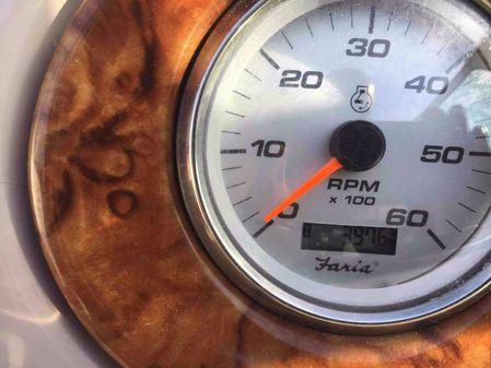 Rinker Fiesta Vee 270 image