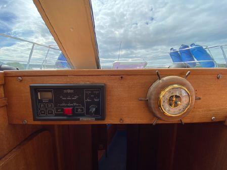 Broom Ocean 42 image