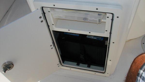 Pursuit C 260 Center Console image
