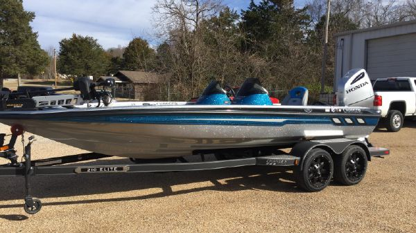 Charger Bass Boat 210 Elite