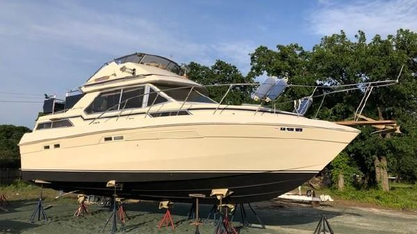 Chris-Craft 337 Commander