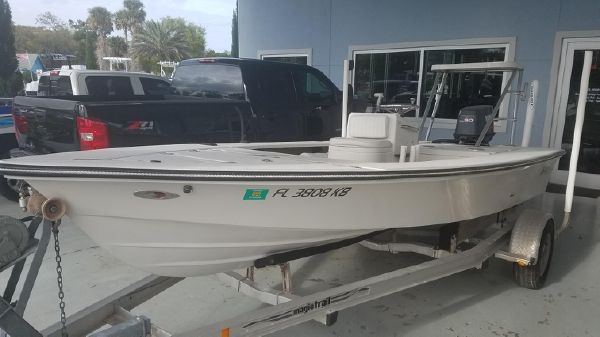 Maverick Boat Co. Master Angler 17