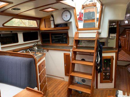 Morgan 44 Centre Cockpit image