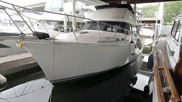 Bayliner 3288 Flybridge Sedan