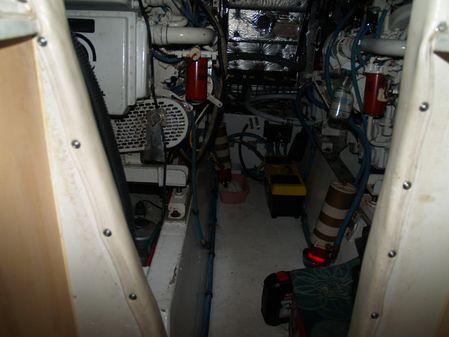 Hatteras 48 Cockpit Motoryacht image