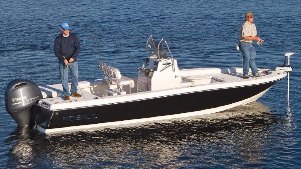 Robalo 226 Cayman Manufacturer Provided Image
