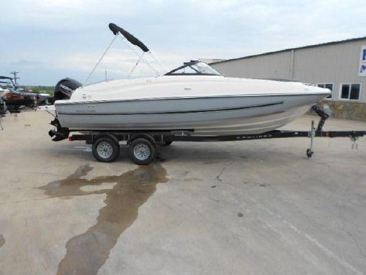 Bayliner 210 Deck Boat - main image