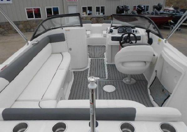 Bayliner 210 Deck Boat image