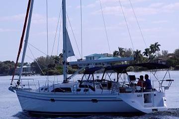 Catalina 385 - main image