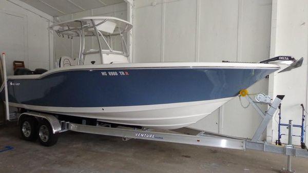 Tidewater 250 CC Exterior 1