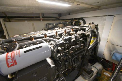 Sabre 38 Hardtop Express w/Freedom Lift image