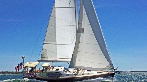 Tartan 4400 Sailing