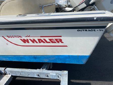 Boston Whaler Outrage 18 image