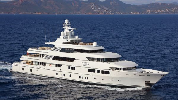 Lurssen Full Displacement